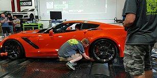 2019 Corvette ZR1'in Güç Testi Sırasında Tekerine Kolunu Kaptıran Adam