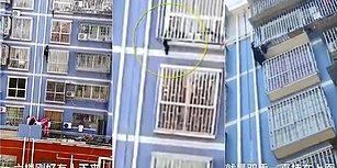 Balkon Demirlerinden Sarkan Çocuğu Binaya Tırmanarak Kurtaran Örümcek Adam