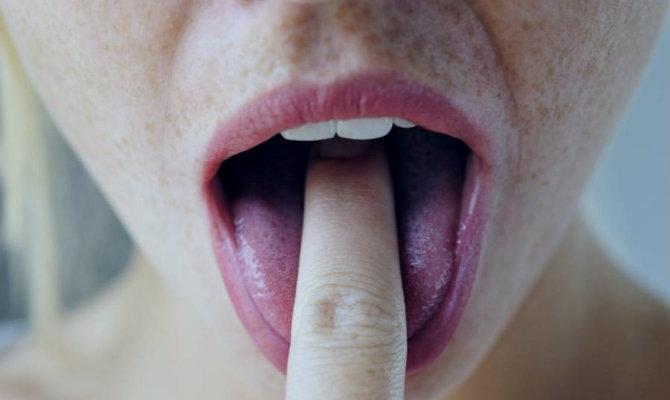 aşırı yemek yiyenlerden misiniz bulimia hastalığı hakkında bilmeniz