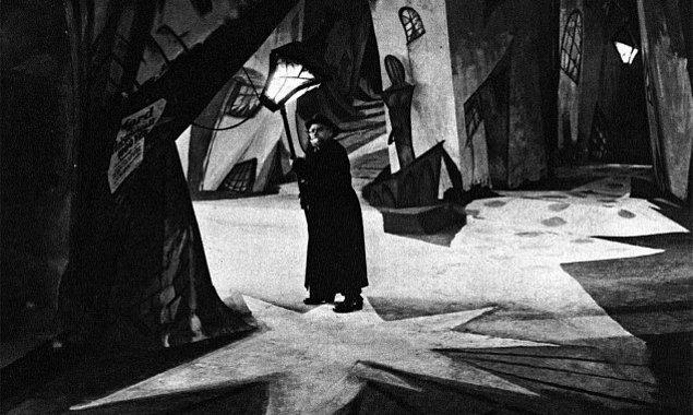 35. Dr. Caligari'nin Muayenehanesi, 1920