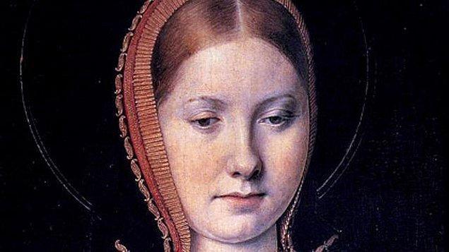 4. Anne Boleyn'in VIII. Henry'nin ilk karısına olan nefreti herkes tarafından biliniyordu. Aragonlu Catherine'in ölümünden sonra mezarının başında Anne'in dans ettiği ve Henry'nin zafer çığlıkları attığı söyleniyor.