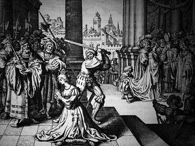 7. Kral Henry, Anne'in idamı için özel bir cellat getirtmişti. Karısının idam edilirken acı çekmesine 'gönlü el vermeyen' Henry'nin, Anne Boleyn'e yaptığı son iyilik buydu.