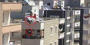 Anahtarı Evde Unutunca Çocuğunu Çatıdan Evin Balkonuna Sarkıtan Anne