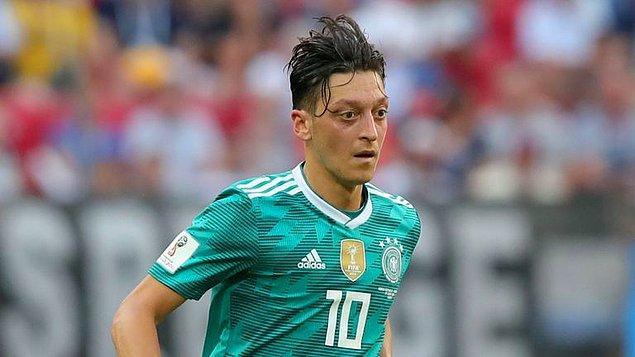 13. Mesut Özil