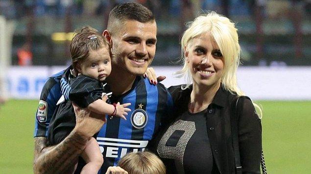 Arjantinli golcü Maxi Lopez ile evli olan Wanda Nara, Lopez'in en yakın arkadaşı Mauro Icardi ile birlikte olmak için evliliğine son vermiş ve bu olay çok konuşulmuştu.