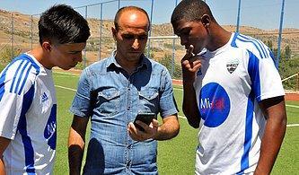 Diyarbakır'a Transfer Olup Çeviri Programıyla Anlaşan Kolombiyalı Futbolcular