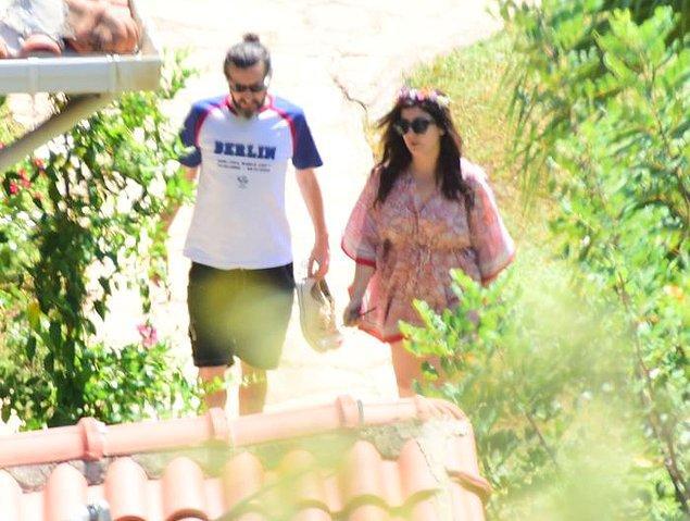 Şebnem Bozoklu ve sevgilisi Kanat Atkaya da düğün öncesi otelde konaklayan misafirlerden.