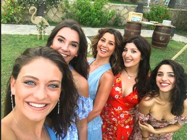 Selfie olmadan düğün olmaz tabii...