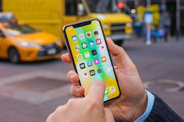 10 yılda ithal edilen telefonlar arasında bulunan iPhone için tahminen 7 milyar dolar ödendi.
