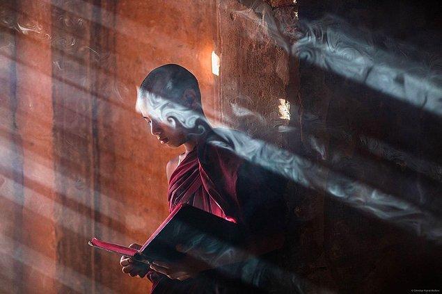 9. Bir keşiş, Myanmar