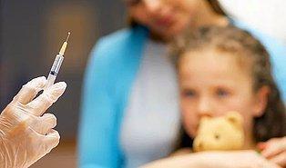 Aşı Düzenlemesi Meclis'te: Reddeden Ailelere 2 Yıla Kadar Hapis Cezası Öngörülüyor
