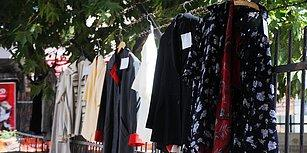 İnsanlığa İnanç Tazelendi! Yalova'da Bir Kişi Temizleyip, Ütülediği 20 Kıyafeti 'İyi Bayramlar' Notuyla Sokağa Bıraktı