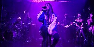 Kayıt Edemediği İçin Ariana Grande'den Şarkıya Yeniden Başlamasını İsteyen Seyircinin İstediği Oldu!