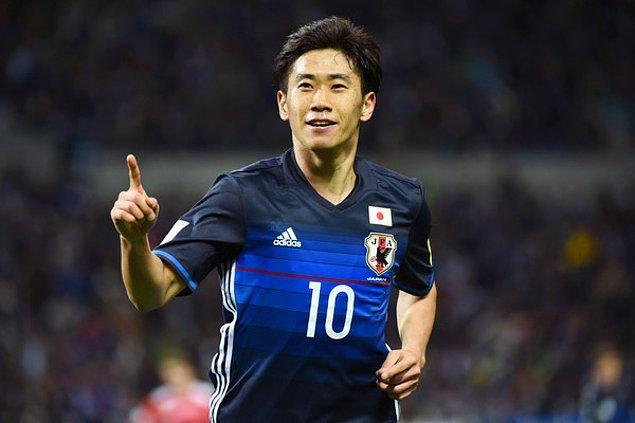 2007'de Japonya'nın 20 yaş altı takımı için oynamaya başladı, bundan bir yıl sonra da Japonya Milli Takımı ile 2008 Yaz Olimpiyatları'nda ter döktü.