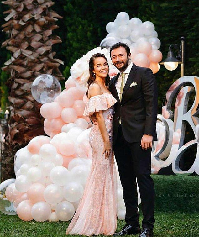 Aile içinde gerçekleşen nişan töreniyle evliliğe ilk adımlarını da atmışlardı böylelikle...