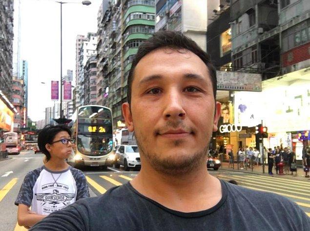 Kardeşiyle birlikte yurtdışına kaçan ağabey Fatih Aydın ise ülke ülke geziyor. Aydın, Hong Kong'ta çektiği bir fotoğrafı sosyal medya hesabından paylaştı.