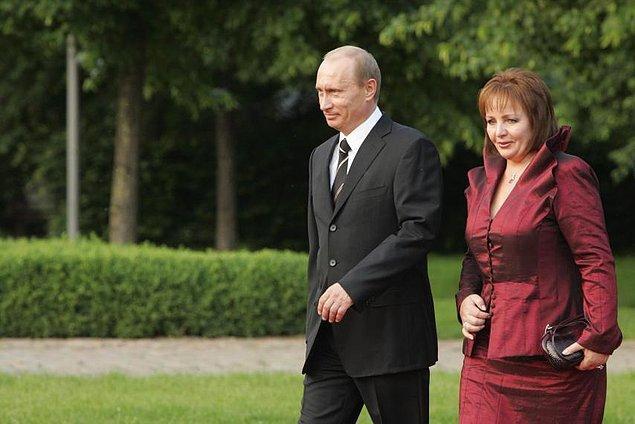 'Devlet başkanının eşi' imajından hiç hoşlanmadığı da biliniyor.