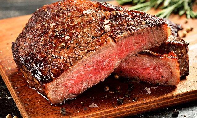 İstediğiniz kadar et tüketebilirsiniz! Ancak etin kalitesi ve nasıl pişirdiğiniz önemli, işlem görmemiş, sağlıklı etler tercih edilmeli ve az pişmiş yenmeli.