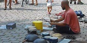 Baterisiz Bateri Gösterisi Yapan Sokak Sanatçısından Muazzam Performans