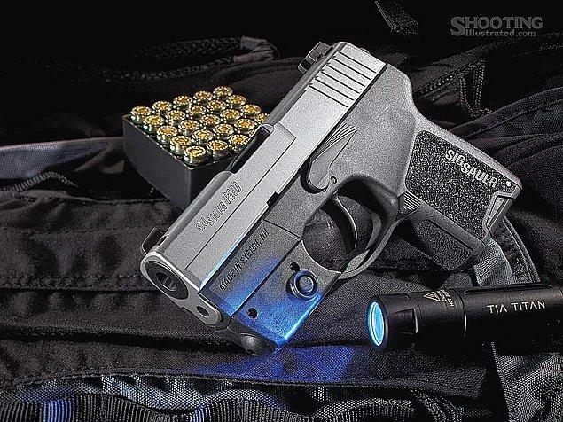 İsviçre dünyanın en liberal silah yasalarından birine sahip, 8 milyonluk ülkede 2.3 - 4.5 milyon silah mevcut.