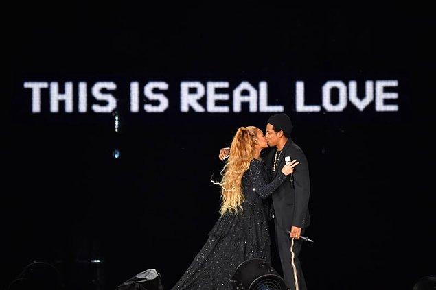 3. Beyonce, Jay Z ile evlendiği zaman, her yer favori çiçekleri olan beyaz orkidelerle doluydu. (70,000 adet)