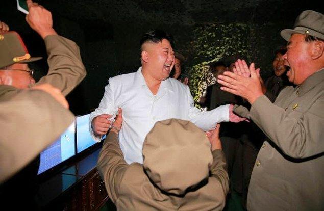7. Kuzey Kore'de iğneleyici konuşmalar yasak.