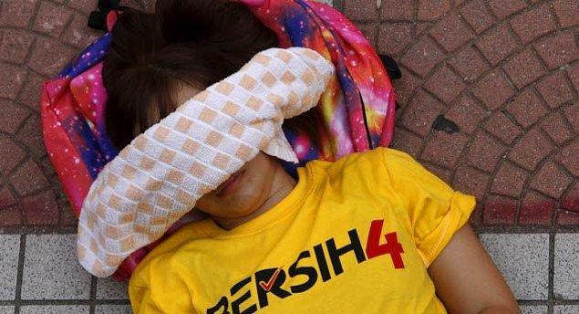 5. Malezya'da sarı tişört giymek yasak!