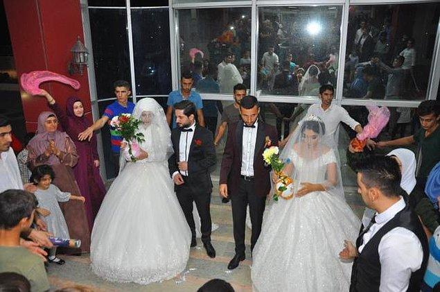 Ancak fotoğrafın, Mardin'de bir adamın aynı anda iki kadınla nikah kıydığını gösterdiği iddiası doğru değil.