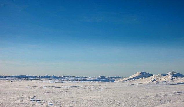 10. Dünyanın en büyük çölü Antarktika'dadır.