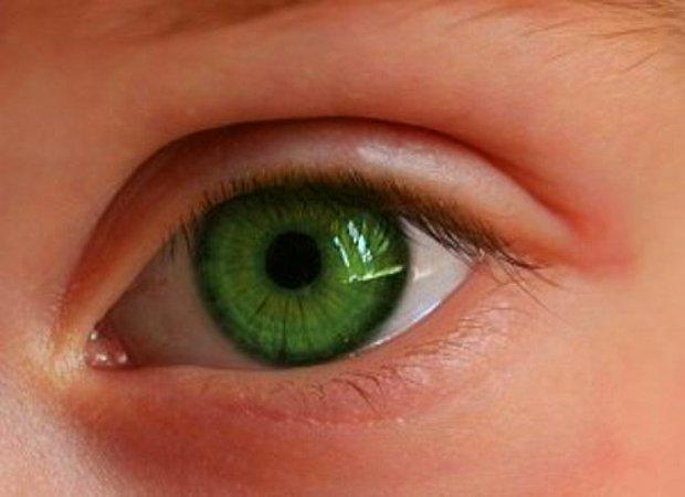 Zümrüt yeşili