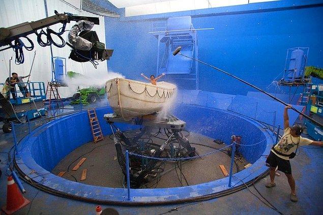 3. 'Pi'nin Yaşamı' filmindeki o müthiş sahneler işte böyle çekildi!