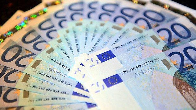 Polis aynı zamanda kadının evinde nakit olarak 40 bin euro bulduğunu açıkladı.