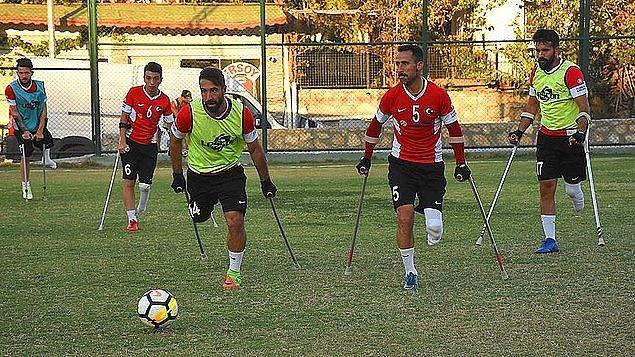 Meksika'nın San Juan de los Lagos kentinde düzenlenen şampiyonada Ampute milli takımımız Kenya, Liberya ve ABD'nin yer aldığı gruptan çıkarak 2. tura yükseldi.