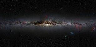 Samanyolu Galaksisi'nin Merkezinde Devasa Bir Kara Delik Görüntülendi!