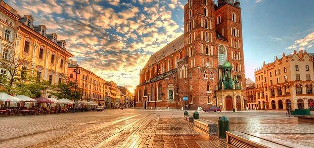 13. St. Mary Bazilikası, Polonya.