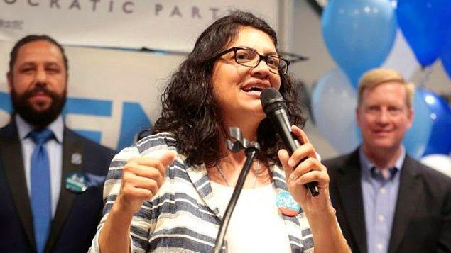 Tlaib, Filistinli kökenli sosyal hizmet uzmanı