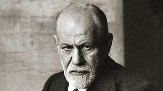 Sigmund Freud'un kitaplarını okuyarak analiz yaptığını kabul etti.