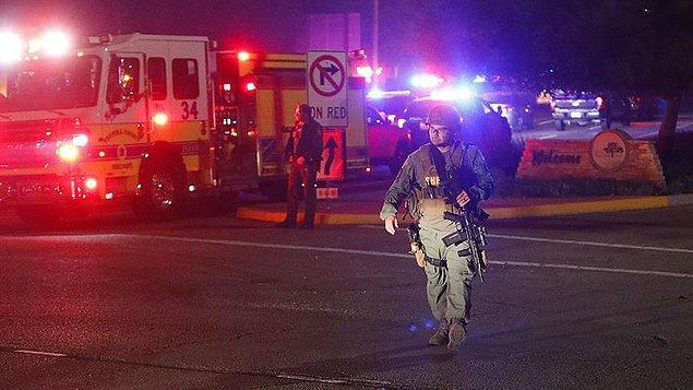 Saldırı Thousand Oaks'da Borderline Bar & Grill adlı barda, yerel saatle dün 23:30 civarında gerçekleştirildi.