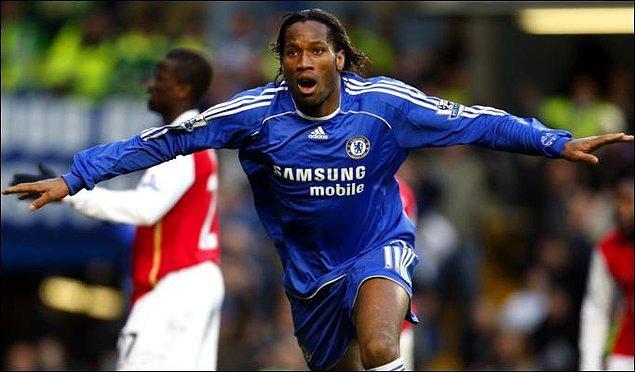 8 sezon Chelsea forması giyen Drogba, 321 maçta attığı 157 gol onu Chelsea efsanesi yaptı.