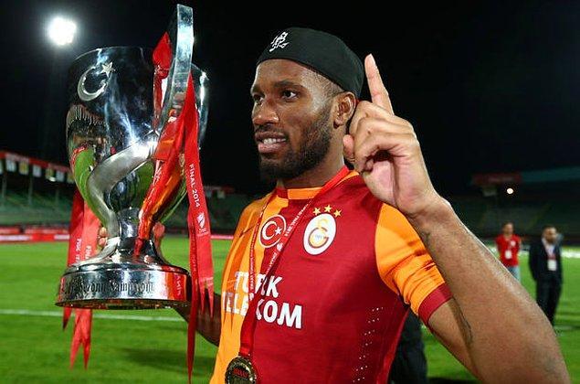 1,5 sezonda 53 maçta 20 gol atmayı başaran Drogba, Galatasaray formasıyla 1 Süper Lig, 1 Türkiye Kupası, 1 Süper Kupa ve 1 Emirates Kupası kazandı.