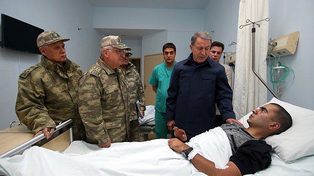 Milli Savunma Bakanı Akar ve Genelkurmay Başkanı Güler Hakkari'ye gitti