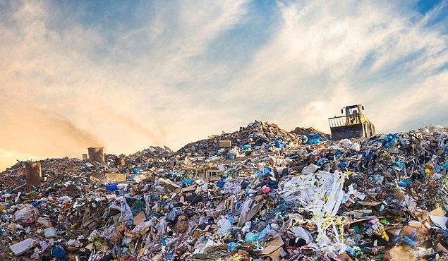 İngiltere Çevre Ajansı'na ihracatçılar tarafından bildirilen verilere göre, 2018'in ilk 3 ayında İngiltere, Türkiye'ye gemiyle 27 bin 34 ton plastik çöp gönderdi.