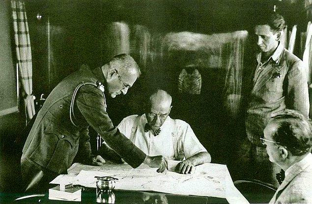 17 Ağustos 1937 tarihli bu fotoğraf, Trakya Manevraları adıyla bilinen askeri tatbikat sırasında çekilmiş.