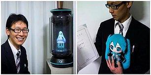 Aşk Ne Engel Ne de Boyut Tanır! Hologram Hatsune Miku ile Evlenen Japon Adam