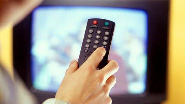 Solcuların ilk tercihi online medya, merkez ve sağcıların tercihi ise televizyon