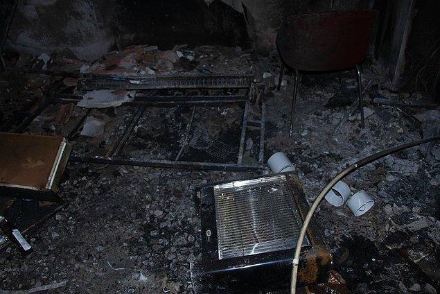 Polis ve itfaiye ekiplerinin ilk inceleme sonuçlarına göre, yangının elektrik kontağı veya ısıtıcıdan çıktığı düşünülüyor.