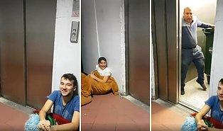 Asansör Kapısı Açılır Açılmaz Ruhunu Teslim Eden Adam