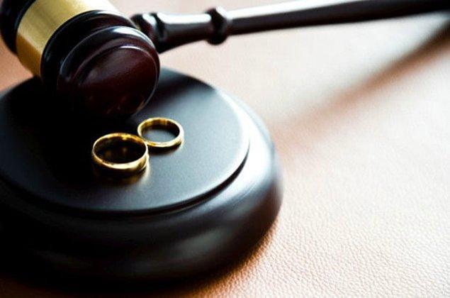 Gülcan A.'nın tüm taleplerini reddeden mahkeme, çiftin boşanmasına karar verdi.