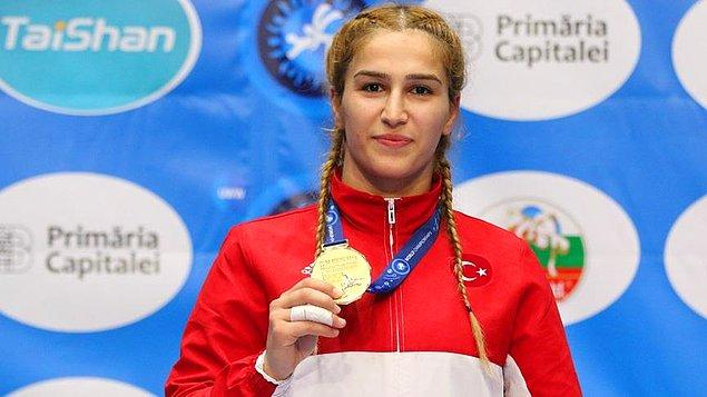 Başkent Bükreş'te gerçekleştirilen şampiyonada 72 kilo finalinde mücadele eden Buse Tosun, Rumen Rakibi Alexandra Nicoleta'yı 10-0 sayı tuşuyla yenerek altın madalyaya ulaştı.