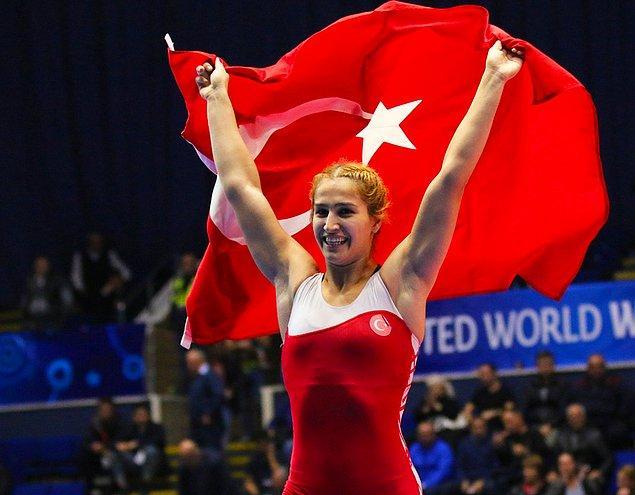 Kadın milli takımı, şampiyonayı birer altın ve gümüş madalyayla tamamladı.